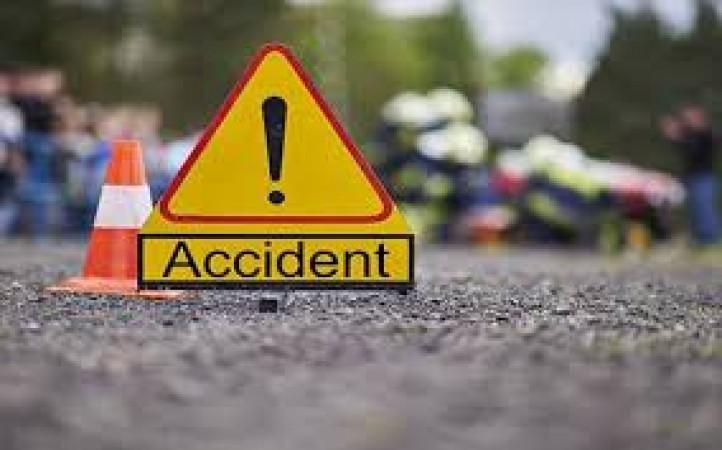 तेज रफ्तार कार ने बाइक सवारों को मारी टक्कर, 4 की हुई मौत