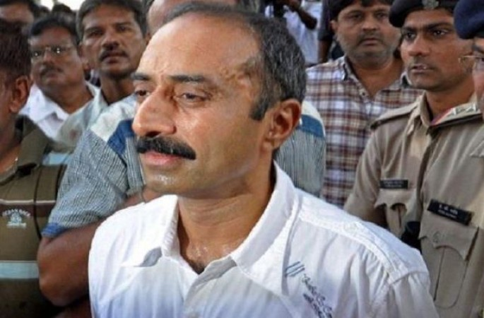 आजीवन कारावास की सजा काट रहे पूर्व IPS अधिकारी संजीव भट्ट को सुप्रीम कोर्ट से झटका
