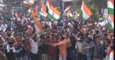 Fireworks in Republic Day rally, people stampede