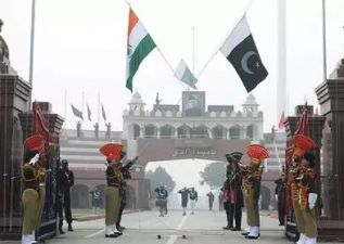 200 Hindu families from Pakistan reach India, grand reception on Wagah border