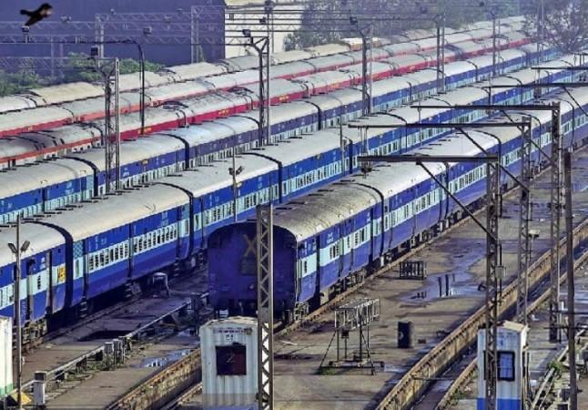 भारतीय रेलवे ने रचा इतिहास, पहली बार 'On Time' मंजिल पर पहुंची 100 फीसद ट्रेनें