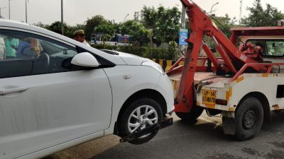 'Operation Clean' runs in Noida, challan cut of over two thousand vehicles