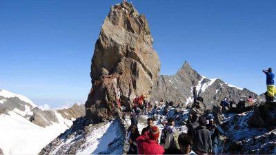 18,500 फीट की ऊंचाई पर स्थित हैं श्रीखंड महादेव, बेहद दुर्गम है यहाँ की यात्रा