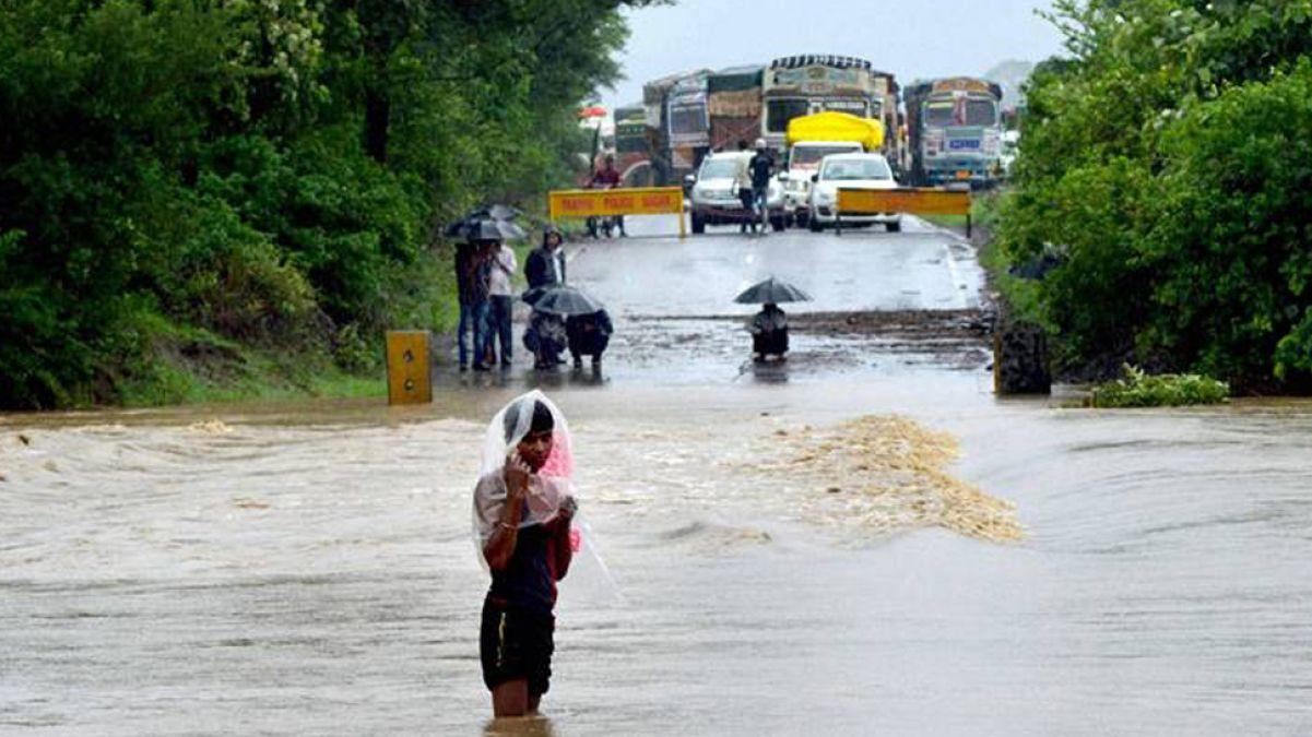 मध्य प्रदेश में हुई जोरदार बारिश, तापमान में आई गिरावट