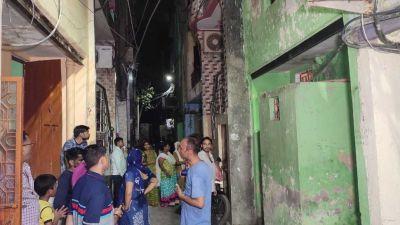 दिल्ली के मंगोलपुरी में मिल पति-पत्नी का शव, जांच में जुटी पुलिस