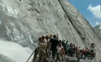 Amarnath Yatra: ITBP's Jawans supports and protects Devotees, Watch Video