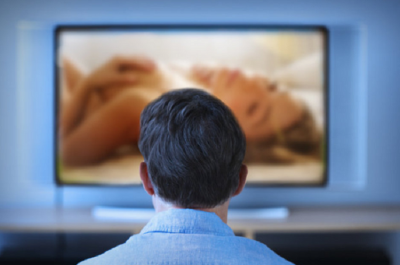 Watching porn on smart TV cause trouble to husband-wife, Hacker has made video and then...