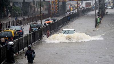 Alert: Heavy rain to hit Mumbai to be hit by sky today, sea will also put city into trouble