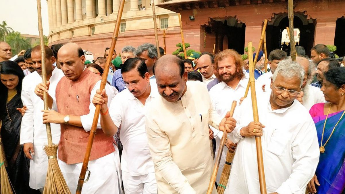 Two-day Swachhta Abhiyan launched under the leadership of Lok Sabha Speaker Om Birla, MPs