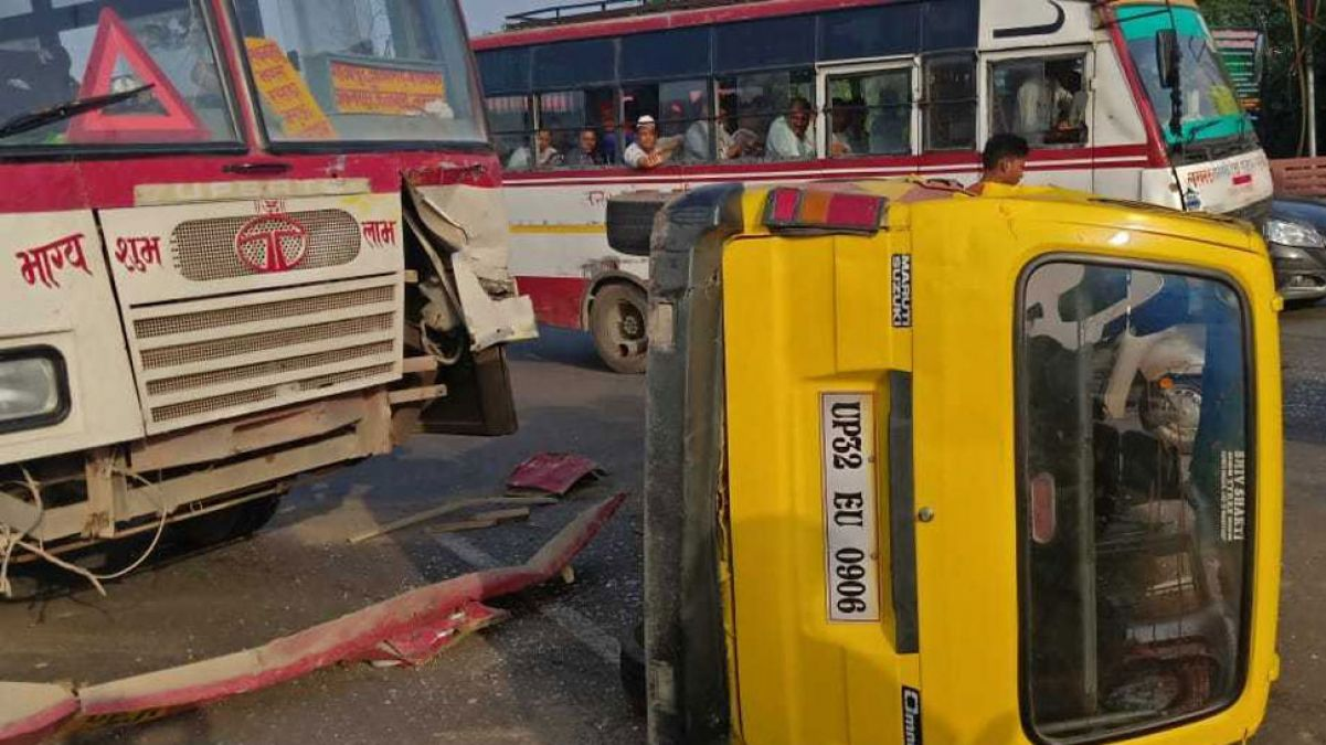Lucknow: School van overturns after collision with passenger bus, 4 children including driver