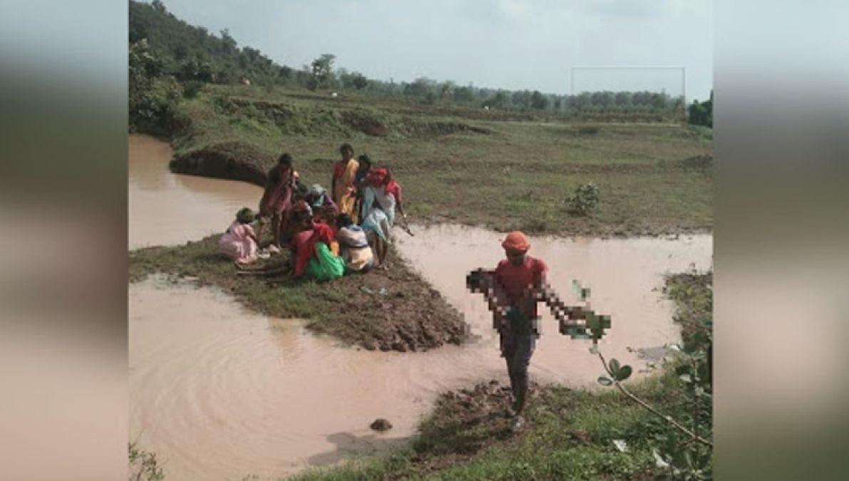 मध्य प्रदेश: गड्डे में डूबने से चार बच्चों की मौत, कमलनाथ और शिवराज ने जताया दुःख