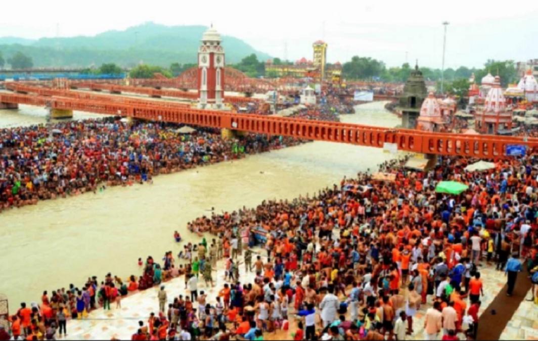 Guru Purnima: Kanwar Yatra started with the chant of Har-Har Mahadev, huge crowd in