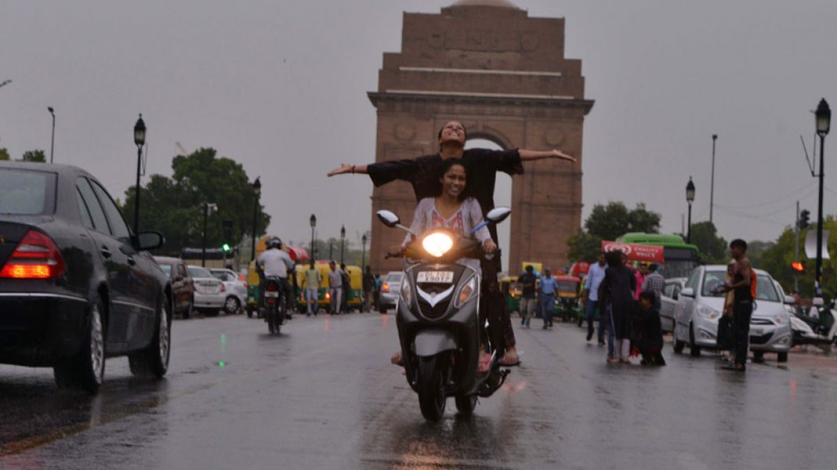 Delhi-NCR likely to experience strong rainfall today, Met Department