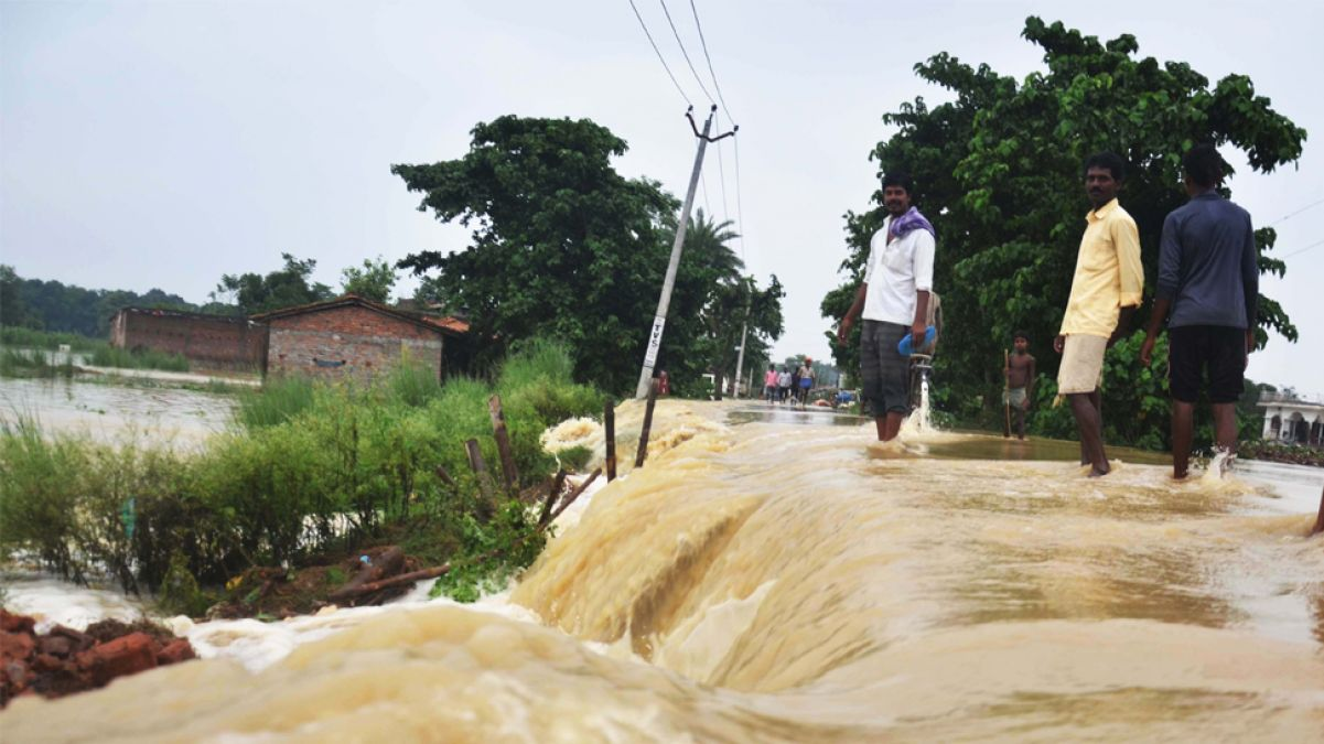 Flood outbreak continues in Bihar, water intensifies in many