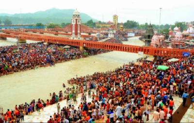 गुरु पूर्णिमा: हरिद्वार में उमड़ी भीड़, 'हर-हर महादेव' के उद्घोष के साथ शुरू हुई कांवड़ यात्रा