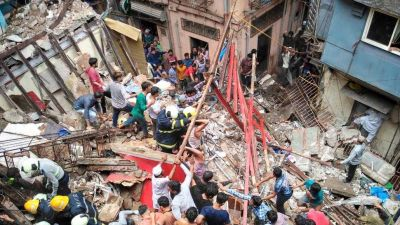 Mumbai: 4-storey building collapsed due to continuous rain, more than 40 people got buried!