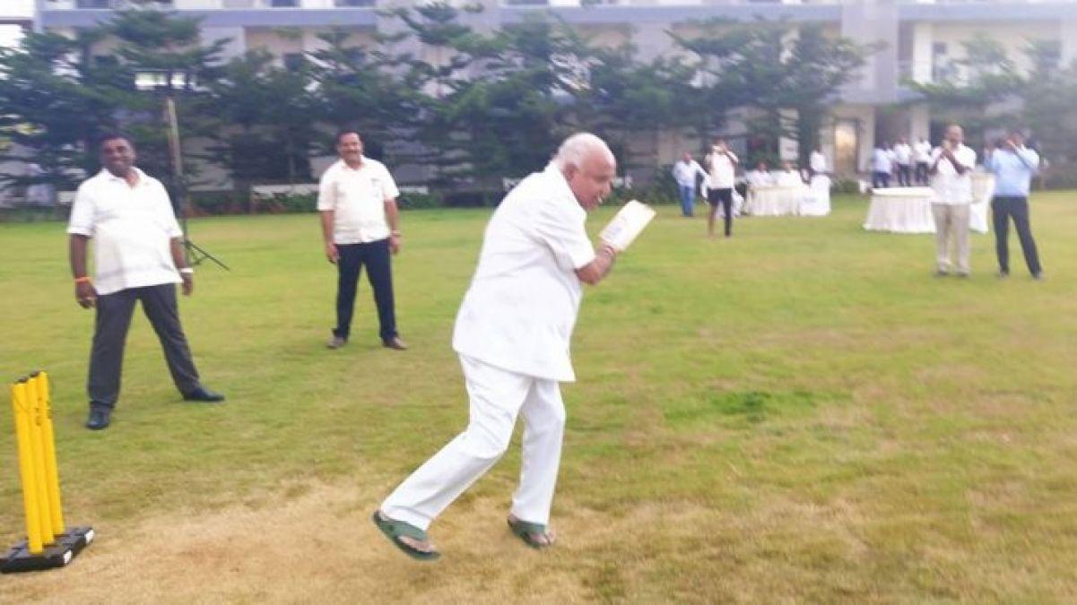 Karnataka political crisis: B.S. Yeddyurappa seen playing cricket with MLAs