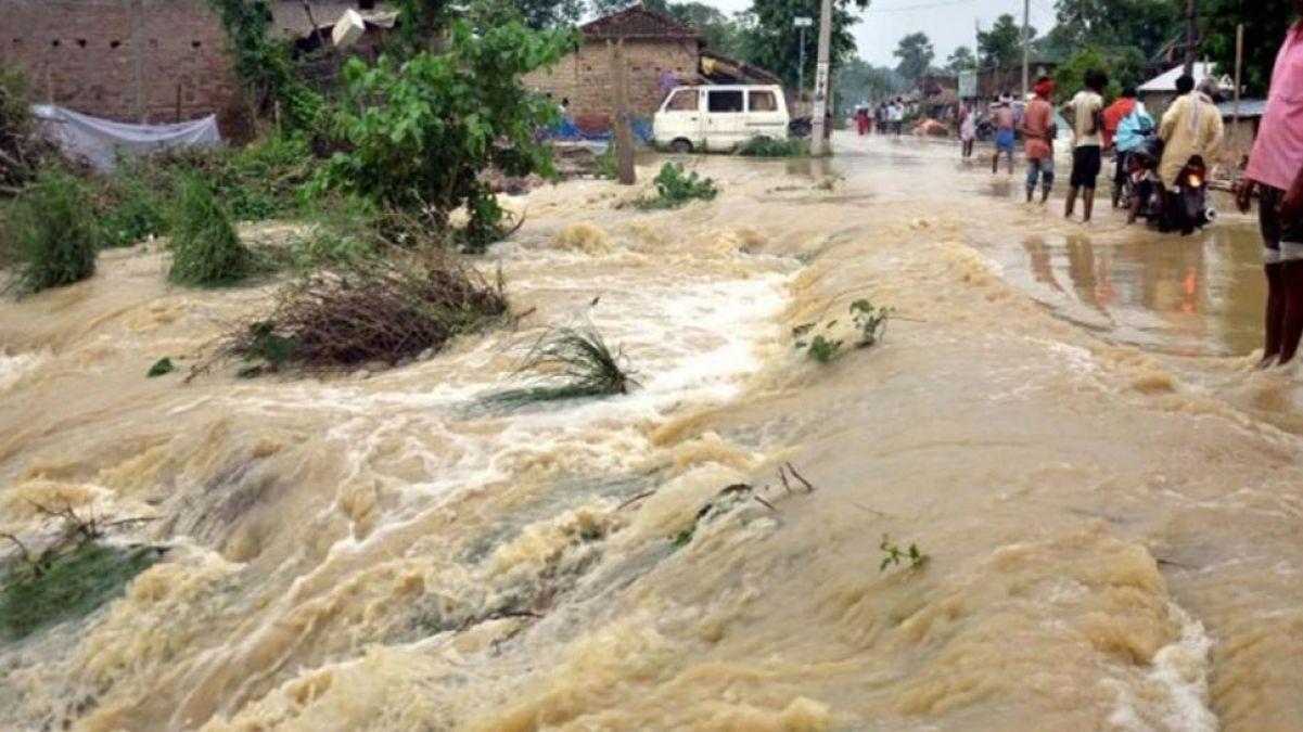 बाढ़ और चीनी मिल की दोहरी मार झेल रहे किसान, 150 एकड़ में खड़ी फसल बर्बाद