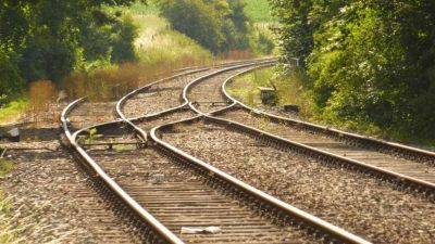 The third rail route to be built between Allahabad-Mughalsarai, approved by Railway Minister