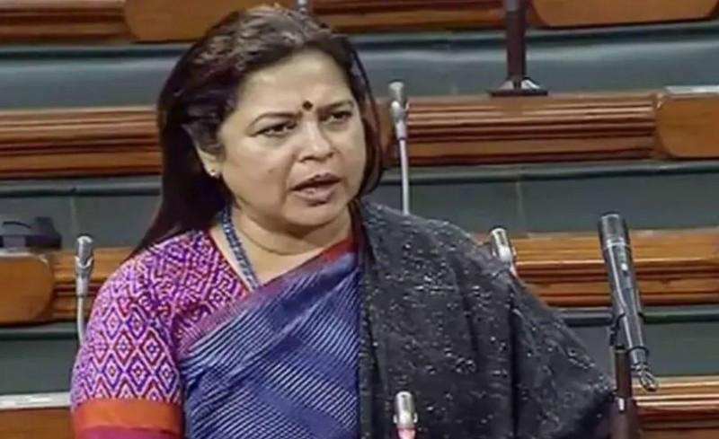 मीनाक्षी लेखी का विवादित बयान, आंदोलन कर रहे किसानों को कहा- मवाली