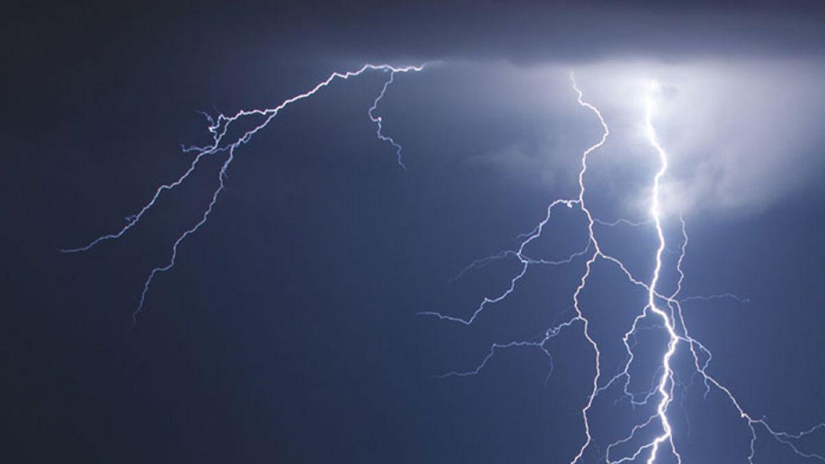 Lightning falls in UP, 35 people killed so far