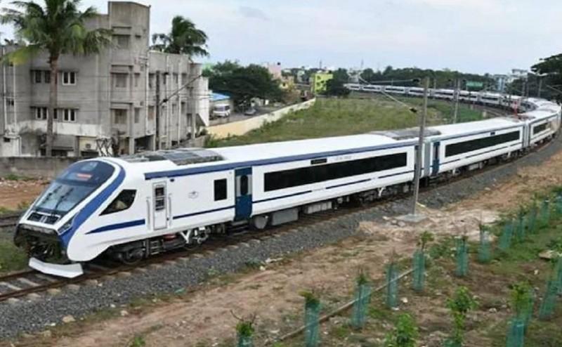 माँ वैष्णोदेवी के भक्तों के लिए खुशखबरी, रेलवे ने फिर शुरू की 'वंदे भारत एक्सप्रेस'