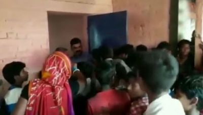 VIDEO: Flood victims in Bihar have not received food for three days, angry people did this