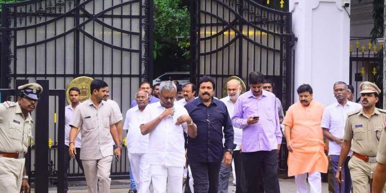 Karnataka crisis: Rebel MLAs in Mumbai to return after BJP's government formed