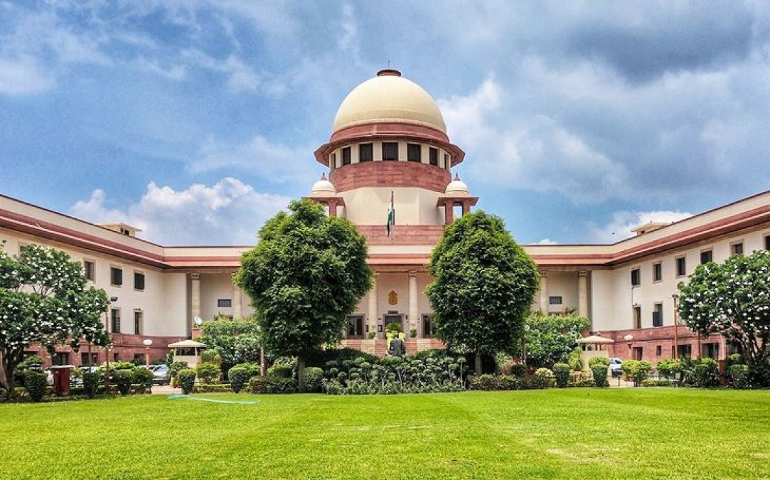 Supreme Court asks independent MLA to withdraw the petition