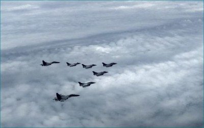 Defense Ministry shares video of Rafael's entry in Indian airspace