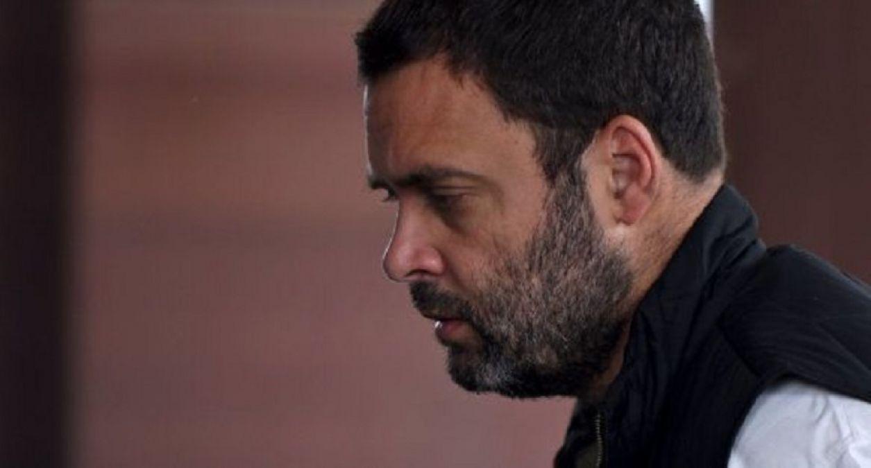 मिलिए राहुल गाँधी से, इन्हे ना सिम मिल रही है ना लोन, लोग भी उड़ाने लगे हैं मज़ाक