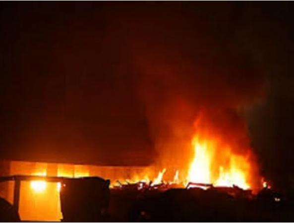 भोपाल के ट्रांसफार्मर इंडस्ट्री में आग का कहर, देखते ही देखते राख में बदली फैक्ट्री