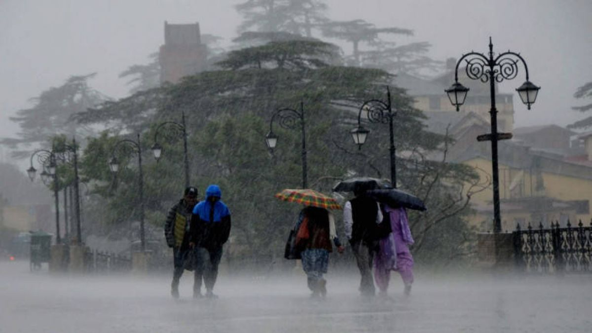 Pre-monsoon knocks in Mumbai, rain in several areas