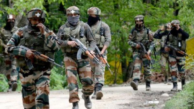 Pakistan violates cease fire in Rajouri sector, an Indian soldier martyred