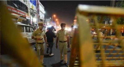 Delhi tragic incident, speeding tempo tramples 4 people to death