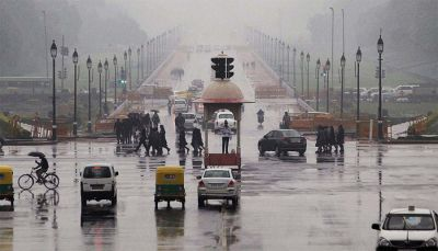 The weather in Delhi changes, chances of rain