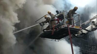 Fire break out in Delhi's Lajpat Nagar Market, 15 fire dept vehicles reached the spot