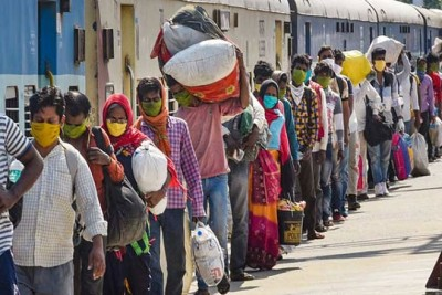 4 thousand Assam migrant laborers waiting to go home