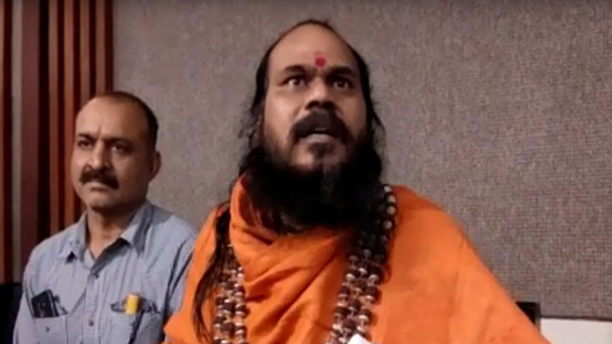Baba who performed Yagya for Digvijay Singh's to take 'Jal Samadhi'
