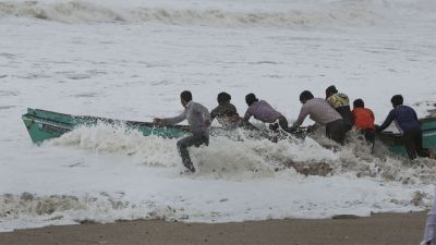 Cyclone Vayu turns towards Oman side, but Gujarat still in danger