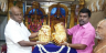 A devotee offers Gold jewellery at The Tirumala Temple, know the surprising price