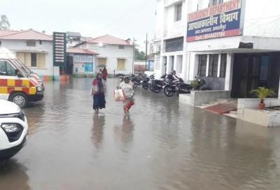 Bihar: Monsoon rain caused water logging in Sadar hospital