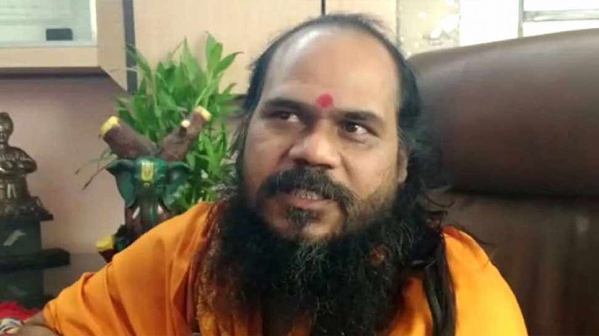 Baba who has performed Mirchi Hawan appeals for police protection