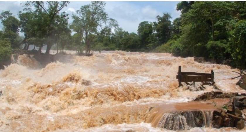 नेपाल में भारी बारिश के चलते बिहार में बाढ़ का खतरा, 11 जिलों में रेड अलर्ट