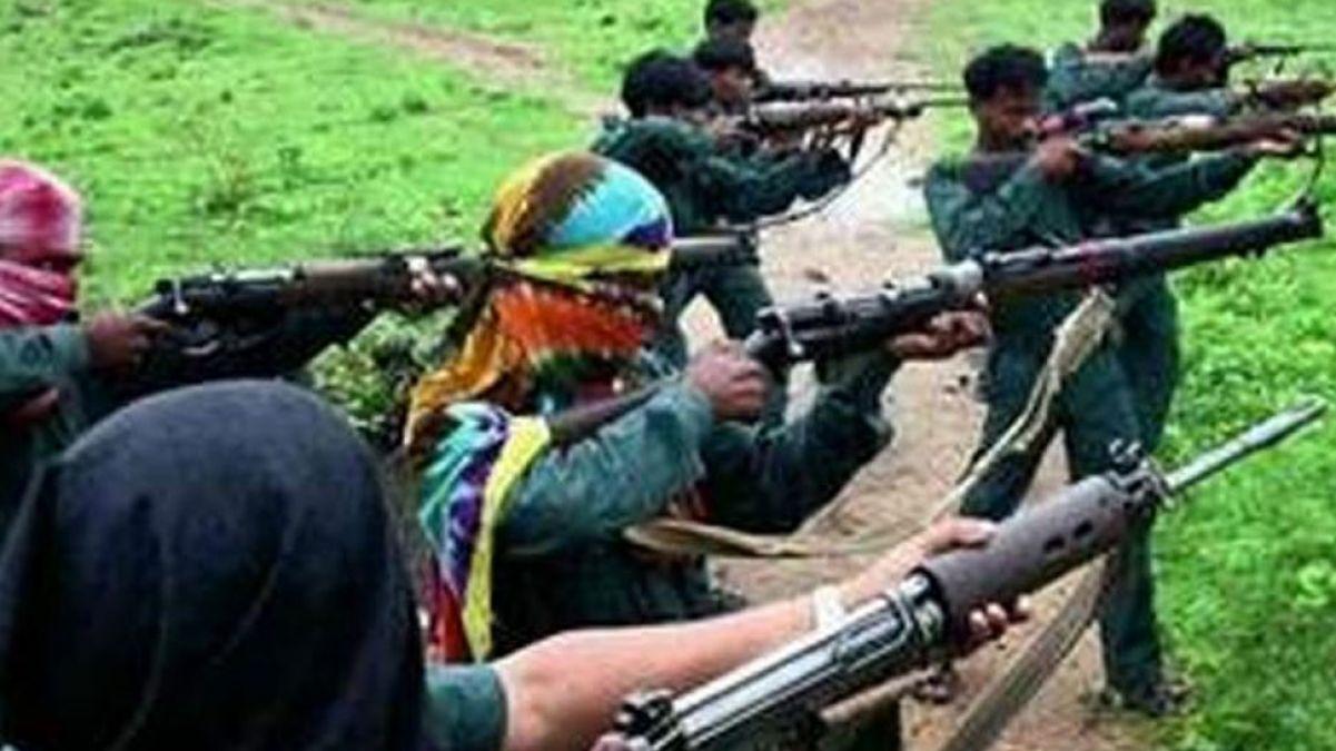 झारखण्ड: पांच लाख तक के 6 नक्सलियों ने किया आत्मसमर्पण