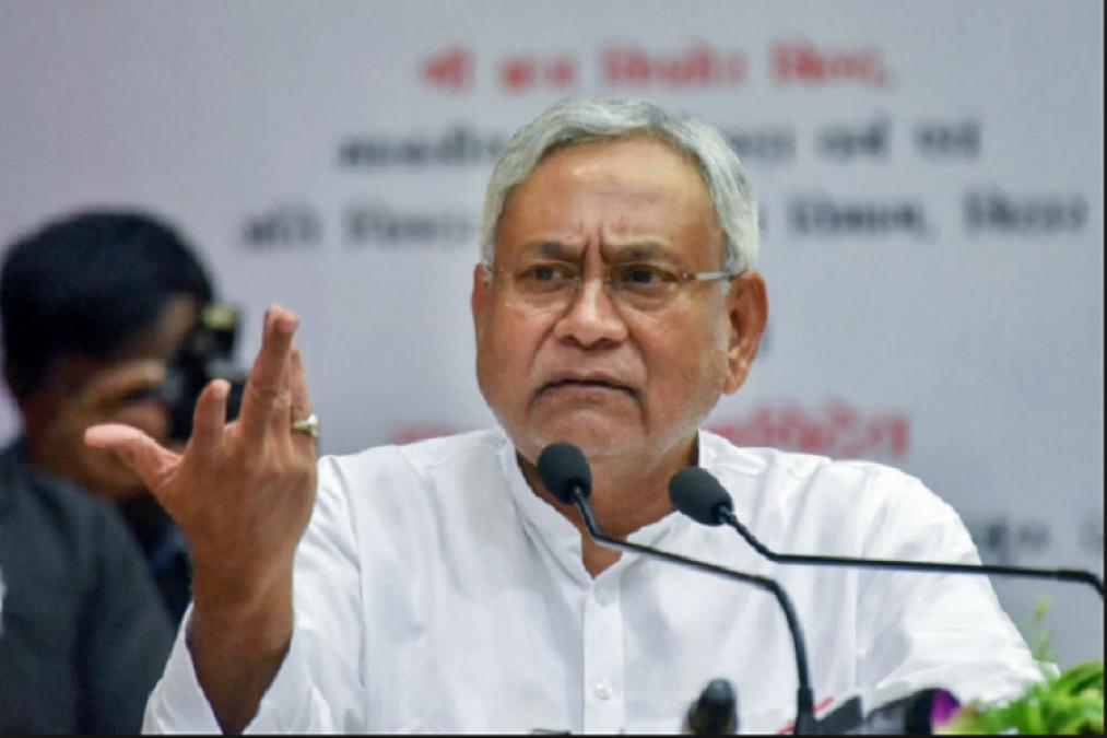 चमकी बुखार से मर रहा बिहार, नितीश के मंत्री गर्मी को बता रहे जिम्मेदार