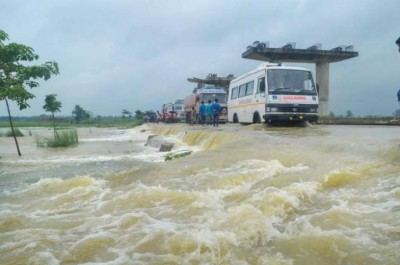 Flood threat hovers over north Bihar, water level of several rivers rises