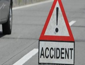 In a late night, JCB and car collision in Khurai five members of the same family killed