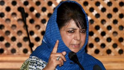 Mehbooba Mufti meets Governor Satyapal Malik to discuss state situation
