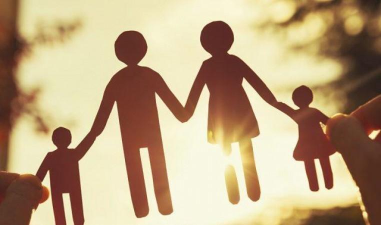 असम के बाद यूपी में भी आएगी जनसंख्या नीति? दो से अधिक बच्चे वाले माता-पिता की बढ़ सकती है मुश्किलें